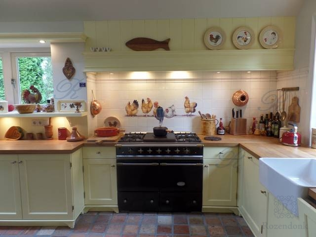 Kippentableau in de keuken