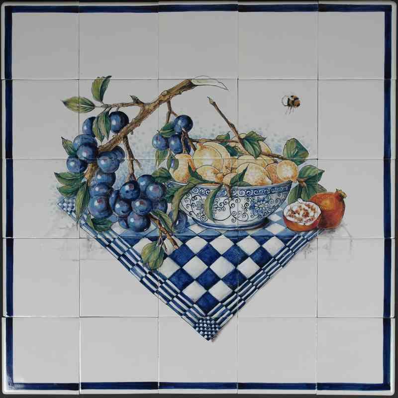 RH16-12 schaal met fruit en pruimentak
